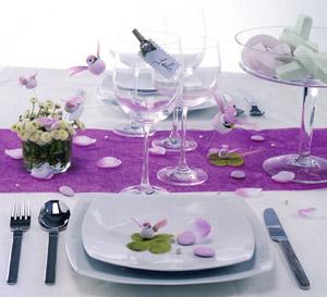 D coration mariage parme et blanc photos supertoinette - Idee decoration de table ...